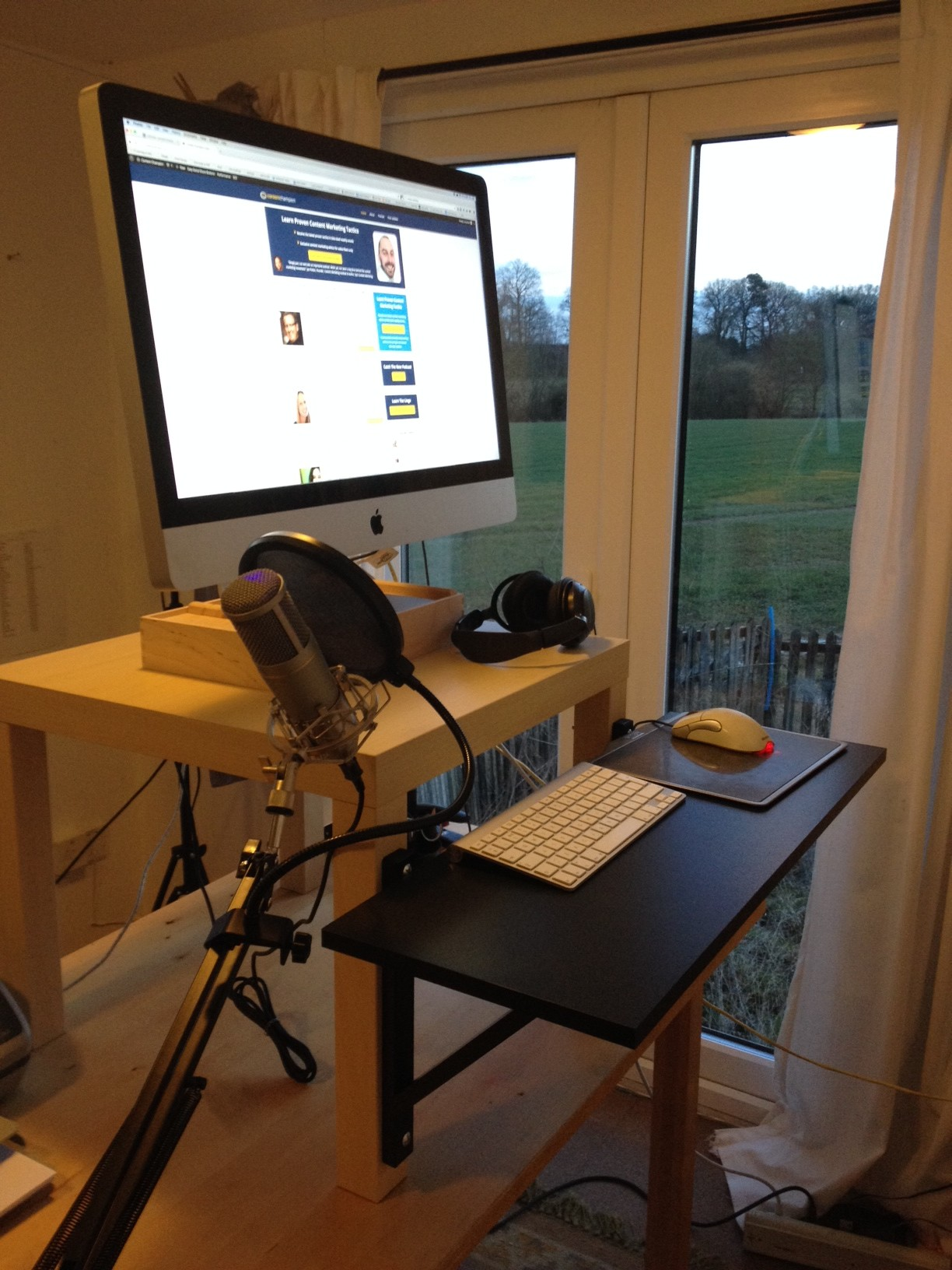 Content champion stand up desk